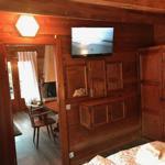 Schlafzimmer mit Flachbild TV