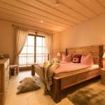 großzügige Schlafzimmer mit Fußbodenheizung