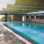 Das große Schwimmbad (ca. 10 x 20 m) für Ihr Training oder zur ruhigen Entspannung