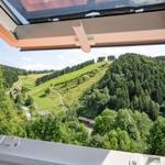 Blick aus dem Wohn-/Essbereich auf den Matthias-Schmidt-Berg