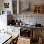 gemütlich eingerichtete Küche mit Esstisch zum gemütlichen Beisammensein