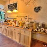 Der Tag beginnt mit einem kräftigen Frühstück im Panorama- Frühstücksraum