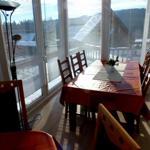 ... der Wintergarten liegt direkt am Teich ... schöne Süd-Ostlage; ideal für Frühstück ...
