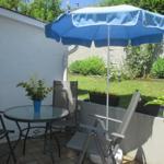 Die gemütliche Sitzecke im Garten zum entspannen mit neuen Gartenmöbeln