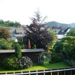 schöner Garten - und Terrassenfernblick