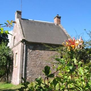 West Twin Cottage - Lanarkshire