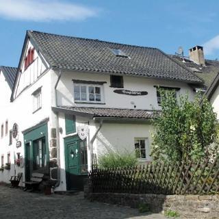 Eifel - Burgscheune Whg. 2 - Kronenburg