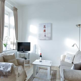 App. 6 mit Südbalkon in strandnaher Lage - Bäderstil-Villa in Wenningstedt/Sylt - Wenningstedt