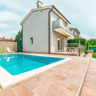 HOLIDAY HOME FOR 12 PERSONS - Labin