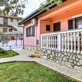 FAMILY APARTMENT FOR 5 PERSONS  - PERUŠKI