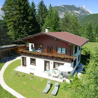 Ferienwohnungen Romantic in den Bergen im Parterre - Leutasch