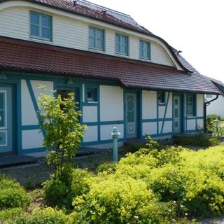 Ferienhaus mit 5 Wohnungen auf der Insel Rügen/Bakenberg - Dranske