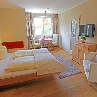 Landhaus Bollig - 1 Zimmer-Appartement - Garmisch-Partenkirchen