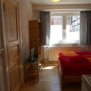 Kleines Ferienappartment mit Duschbad und Pantry-Küche im Erdgeschoss des Fachwerkhauses, Sonnenwind 5 - Burg Fehmarn