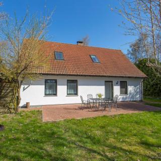 Ferienhof-Rügen Haus Residence - Dreschvitz