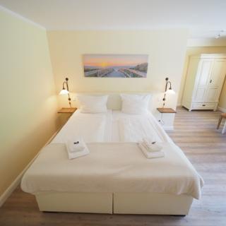 Hotel Wagenknecht - Doppelzimmer 14 - Westerland