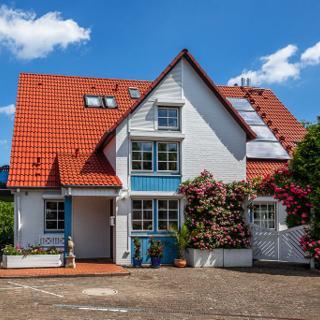 Gästehaus Annabel    Wohnung links - Scharbeutz