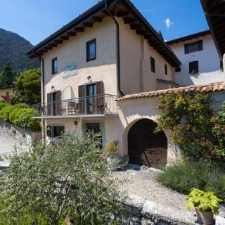 Antica Corte Ginevra - Ap. Artù Lake Garda - Tremosine (BS)