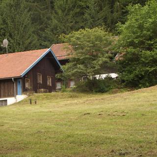 """Ferienwohnung Quellenhof """"Altes Bauernhaus"""" - Kollnburg"""