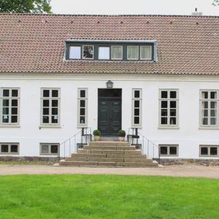 Großes Ferienhaus 150qm, zwei Schlafzimmer, max 8 Personen, zwei Bäder, Badewanne - Vitzdorf