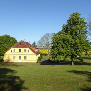 Gut Rattelvitz Galerie D, hochwertig, Sauna, Kamin, eTankstelle, Spielscheune, 15.000qm Parkland - Gingst
