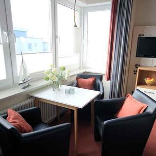 Kleine Ferienwohnung 6: Strandnah und mit Meerblick im Haus Seeluft Duhnen - Cuxhaven