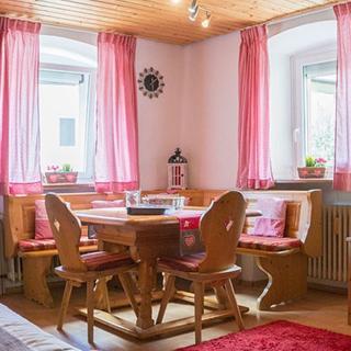 Gemütliche 2-ZimmerFerienwohnung im Schwarzwaldstil, stadtnah - Au