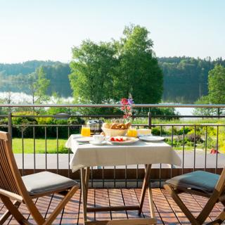 """Lebensart am See, elegante Ferienwohnung """"See-Lodge"""", direkt am See - Bad Endorf"""