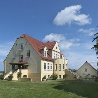 Ferienwohnung 6 direkt am Wasser im Gut Grubnow Rügen - Neuenkirchen